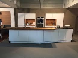 häcker küche in lack laminat polarweiß altholz