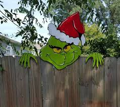 Grinch Outdoor Christmas Decorations by Best 25 Grinch Christmas Lights Ideas On Pinterest Grinch