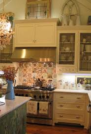Kitchen Cabinet Soffit Ideas by Best 25 Above Cabinets Ideas On Pinterest Above Kitchen