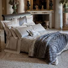 Modern Luxury Decorative Pillows For Bed