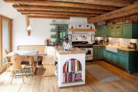 75 landhausstil küchen mit grünen schränken ideen bilder