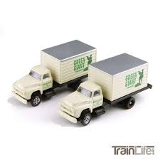 N Scale: 'N Scale: 54 Ford F-700 Delivery Trucks | TrainLife ...