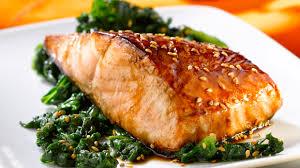 cuisiner pavé de saumon poele pavé de saumon laqué au sésame recette knorr