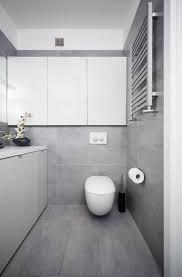 badezimmer modern einrichten graue fliesen weisse badmoebel