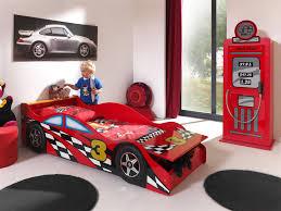 lit enfant voiture coloris bolid lit chevet enfant lit
