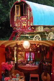 Camper Interior Decorating Ideas by Best 25 Gypsy Caravan Interiors Ideas On Pinterest Airstream