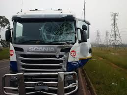 100 Truck Leases And Taxi Collide Injuring 13 Rand Arrive Alive