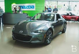 Mazda MX 5 RF is a stunner with a cool trick