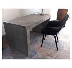 bureau beton ciré bureau ou table design en béton massif gris pour l extérieur ou l