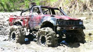 RC ADVENTURES - TOP GEAR MUD BoGGiNG - Toyota Hilux - RC4WD Trail ...