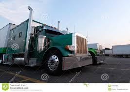 100 Old Semi Trucks Classic Big Rig In Line On Truck Stop Stock