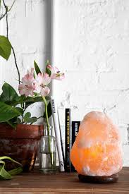 Himalayan Salt Lamp Nz by Best 20 Himalayan Salt Lamp Ideas On Pinterest Himalayan
