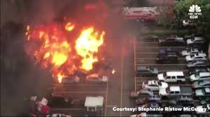 Caught On Cam: Food Truck Explodes In Parking Lot | WSAV-TV Investigators Looking Into Cause Of Truck Explosion While Crew Was Tanker With 9000 Gallons Gas Overturns Explodes Portland Food Explodes Kobitv Nbc5 Kotitv Nbc2 Pickup Next To Southcrest Apartments The San Diego Propane Tanker Flames On I40 Kforcom Takata Troubles Worsen As Kills Texas Woman Watch Tipped Engulf Highway In Cnn Video Fire More Than 100 People Gerianile Ohp Man Pulls Driver From Burning Fedex After Crash Us Syria Dozens Killed Fuel Truck Explosion Airstrikes Near Eric Sniders Sort Boring Blog Party Whole Road Engulfed Ethanol Erupts Following