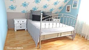 wir haben das romantische schlafzimmer das stets zwischen