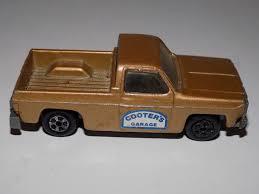 100 Ertl Trucks Vintage Replica Chevrolet Fleetside Pickup Truck