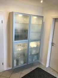 glasschrank vitrine esszimmerschrank weiß glas alu