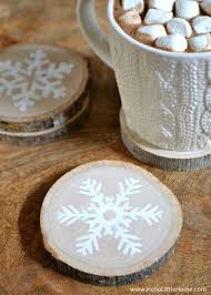 These DIY Wood Slice Snowflake Coasters Make A Great Gift Plus Check Out Our