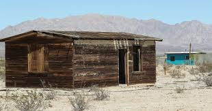 100 Mojave Desert Homes Wonder Valley Life Threatened By Nature The Authorities And Tourists