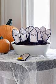 Ideas For Halloween Food Names by 66 Easy Halloween Craft Ideas Halloween Diy Craft Projects For
