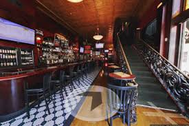 Gas Lamp Des Moines by Experience Three Different Levels The Tipsy Crow Gaslamp