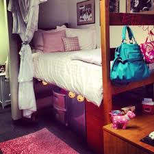 10 Ways to Decorate Your Dorm Room
