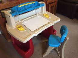 Step2 Deluxe Art Desk With Splat Mat by 28 Step2 Deluxe Art Desk Uk Step2 Deluxe Art Master Desk