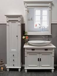 marillé kleiner hochschrank im gründerzeit stil landhaus möbel massivholz weiß