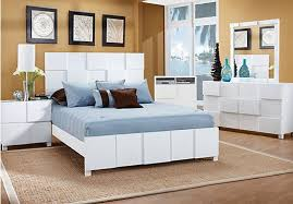 Shop for a Roxanne White 7 Pc Queen Bedroom at Rooms To Go Find