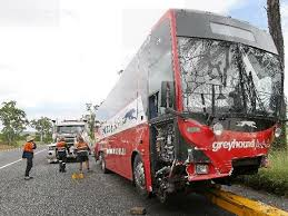 Do Greyhound Australia Buses Have Toilets by Police Investigate Hwy Bus Smash Chronicle