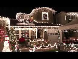 Alameda Christmas Tree Lane 2015 by Christmas Tree Lane San Carlos Ca 2017 Youtube