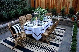 View In Gallery Fabulous Outdoor Rug Helps Define The Al Fresco Dining Design Scot Meacham Wood