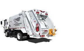 Diamondback™ Rear Loader | New Way® Trucks