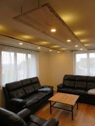 deckenleuchte wohnzimmer aus unbesäumten fichtenbrettern