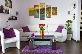 43 wall decoration ideas with canvases plates and photos