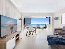 100 Absolute Beach Front Surfers Paradise Front Apartment Gold Coast
