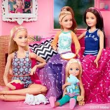 Barbie Fashion Doll RUNWAY MAGAZINE Official