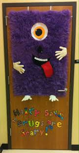 Kindergarten Christmas Door Decorating Ideas by Best 25 Kindergarten Classroom Door Ideas On Pinterest
