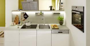kleine küchen einrichten tipps für viel raum auf wenig