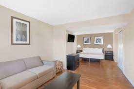 Tile America Manchester Ct by Condo Hotel Hawthorn Suites Manchester Hartford Ct Booking Com