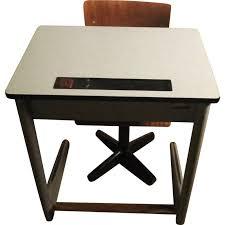 bureau enfant vintage bureau d enfant vintage avec chaise en bois 1960 design market