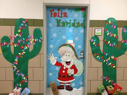 Unique Christmas Office Door Decorating Idea by Backyards Front Door Christmas Decorating Ideas Discountdesign