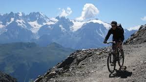 tour du mont fort circuit vtt en montagne accessible à tous