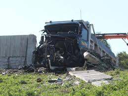 100 Truck Driver Accident Driver Injured In Evansdale Interstate Crash Dies At Hospital