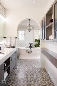 klassisches schwarzweiss badezimmer schönes muster als