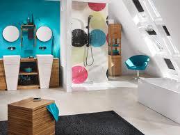 modern gestaltetes badezimmer stuhl eklektisch te