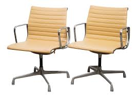 Vintage & Used Office Chairs For Sale | Chairish Vladimir Kagan For Preview Biomorphic Freeform Minimalist Armchairs A Pair Sofa By Vitra Stylepark Ottoman Samsonite Lisbon Bonded Leather Chair Oklahoma Sooners Metallic Logo Auto Emblem Push Pull Bronze Cast Door Handle With Brutalist Relief Zurich Mesh Office Replica Isamu Noguchi Quality Design Diiiz Coact Modular Lounge Balances Structure And Freeform Nakashima Fniture Tables Chairs More 219 For Sale At