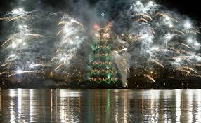 Bethlehem Lights Christmas Trees by Largest Floating Christmas Tree Brazil Breaks Guinness World