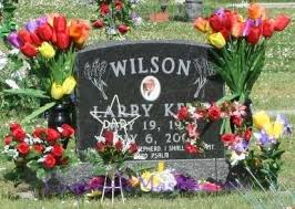 memorial day graveside decorations creative seasonal and personal ways to decorate headstones