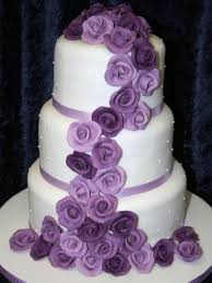 Pictures Of Wedding Cakes With Purple Flowers 25 Cute Ideas