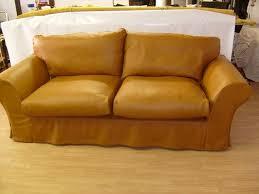 retapisser un canapé recouvrir fauteuil cuir la35 jornalagora